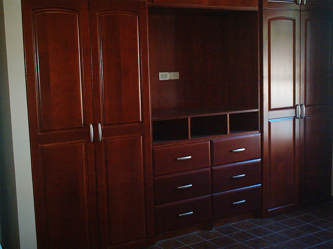 Tapicer a c ndor closets de madera for Cotizacion de closets
